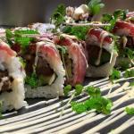 Spicy Tuna Roll mit grünem Tobikko
