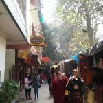 西藏村的巷子
