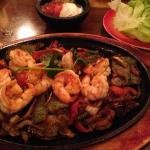 Shrimp fajitas, small portion and bland.