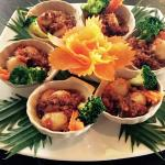 Scallop shells with broccoli, carrot and chili paste