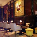 Romantic and discreet bar