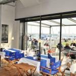 Restaurant mit Blick auf die Schlei und den Hafen