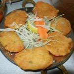 Aloo Pakora, patate fritte in pastella di farina di ceci
