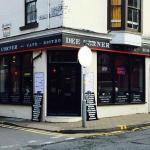 Dee Corner Cafe Bistro