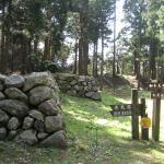 七尾城本丸に残されている石垣