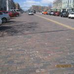 但這街真是用磚鋪就的啊!
