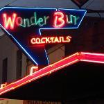 Wonder Bur Lounge & Cafe - Neon at Night!