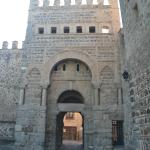 Puerta de Alfonso VI, antigua bisagra