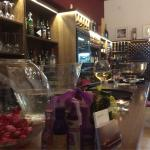 Foto de Wine Bistro & Tapas restaurent
