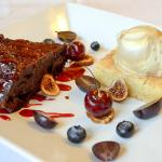 Flourless chocolate torte & walnut blondie