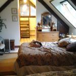 bedroom to kitchenette