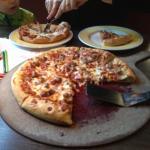 Pizza tutto carne family size... Non la abbiamo finita, e' molto alta.
