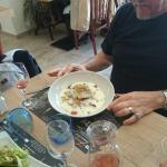 Camembert rôtie, moules au four à l'aïoli, pied de porc, morue