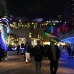 Le centre commercial voisin de nuit
