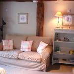 Twin room sitting area