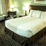 1 QUEEN GUESTROOM REMODELED