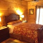 Chestnut Cabin Bedroom