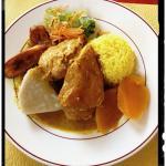 Entrée fraîcheur, poulet curcuma, Colombo de thon, blanc manger coco.