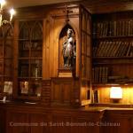 La bibliothèque de fonds anciens: manuscrits, incunables et imprimés se cotoient