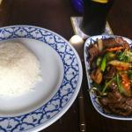 Beef and vegetables with boiled rice