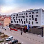 Intrarea Hotelului Transilvania