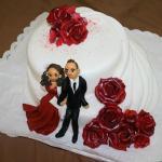 Hochzeitstorte mir Marzipan Brautpaar