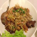 Rice noodles with beef and baby shrimps