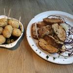 Dough balls & olives with ciabatta & garlic olive oil/ balsamic vinegar dressing - more quantity
