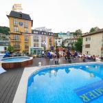 Outdoor panorama pool