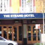 Strand Hotel  William St .