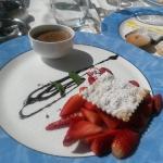 dessert alle fragole e crema di cioccolato