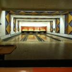 PAUL'S BAR AND BOWLING