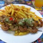 Les brochettes de Crevettes, frites