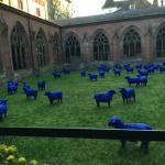 """In the cloister, the """"Blue Sheep"""" modern art exhibition"""