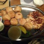 Scallops and crab cake combo