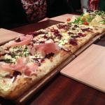 La pizza au mètre =)