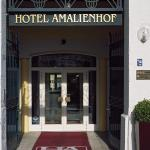 Aussenansicht historisches Hotel Amalienhof