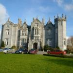 Nearby Kinnitty Castle with Wonderful Lunches/Dinners