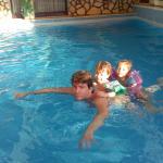 piscina piccola ma riscaldata sia copetta che scoperta