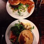 Steak pie and venison burger to die for :) amazing!!