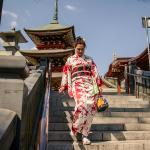 Примерила кимоно)