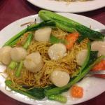 Scallops Chow Mein