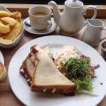 Delicious Gluten Free Lunch at Lytham Kitchen. Chicken & Mayo a Sandwich/side portion of GF chip