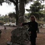 Shannon Scott explaining the stonework of Walz