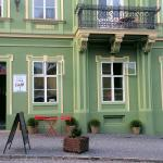 The cafe is in the spaces of the bourgeois house from the 19th century.