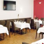 In einem schönen Ambiente erfüllen wir Ihre kulinarischen Wünsche.