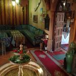 Salon marocain et salle à manger