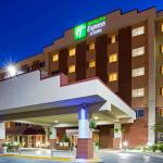 Holiday Inn Express & Suites Minneapolis Airport - Mall Area