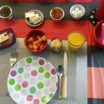 Petit déjeuner copieux et varié