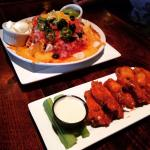 Baked Nachos and Small buffalo wings !